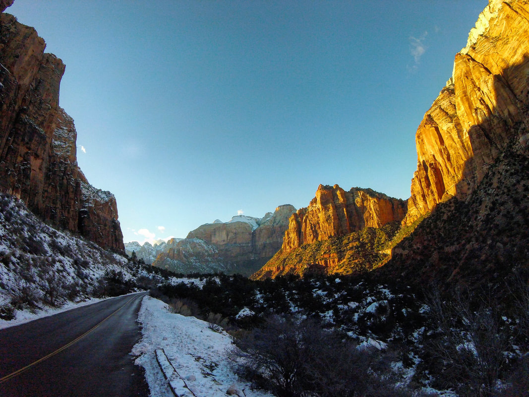 Snow and mountain peaks in Zion National Parks